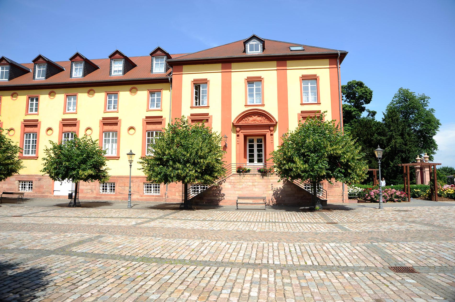 Schloss-Rueckans-2