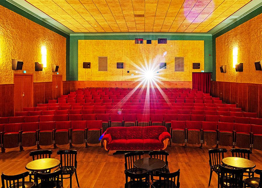 Marias-Kino,-Projektorstrahl