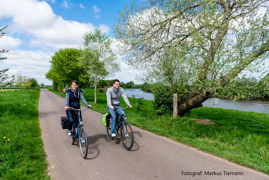 Radfahrer-an-der-Aller