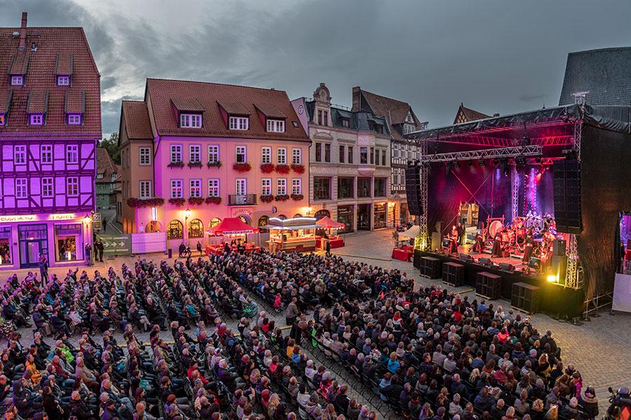 07-Musik-und-Theater-18M04100-Foto-Jürgen-Meusel