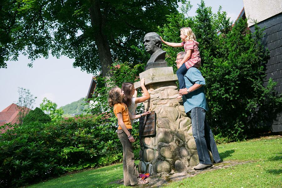 Kneipp-Büste-im-Kurpark