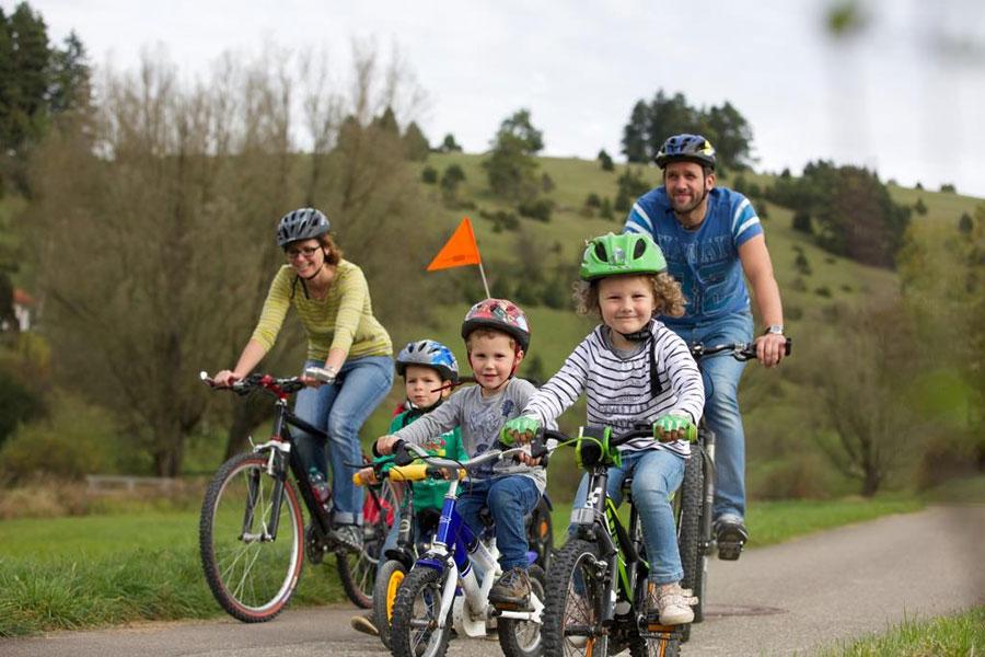 Bild-Radfahrer-Familie