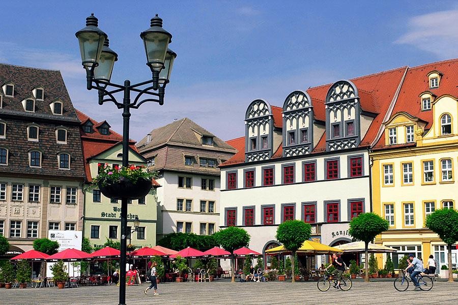 Naumburg-(Saale)_Historische-Handelshäuser-am-Marktplatz_Foto-T.Biel